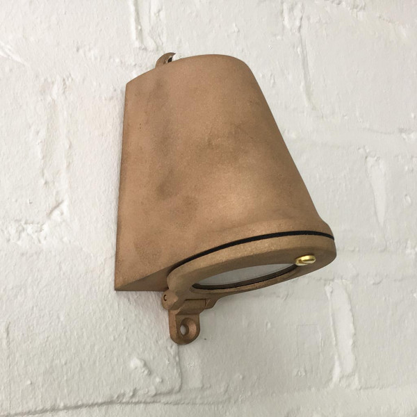 Davey Mast Light 220-240v side