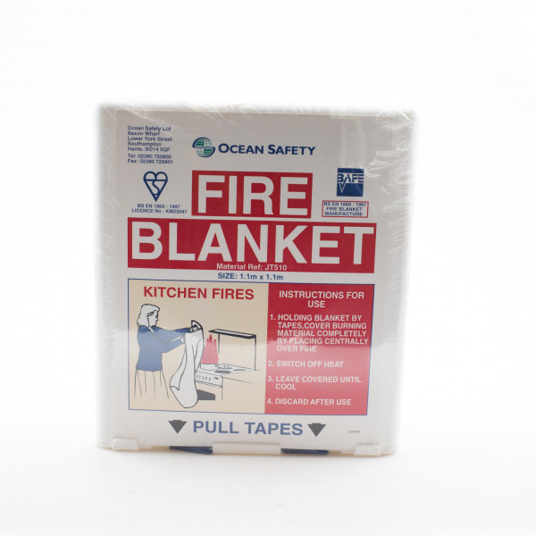 Fire Blanket Compact